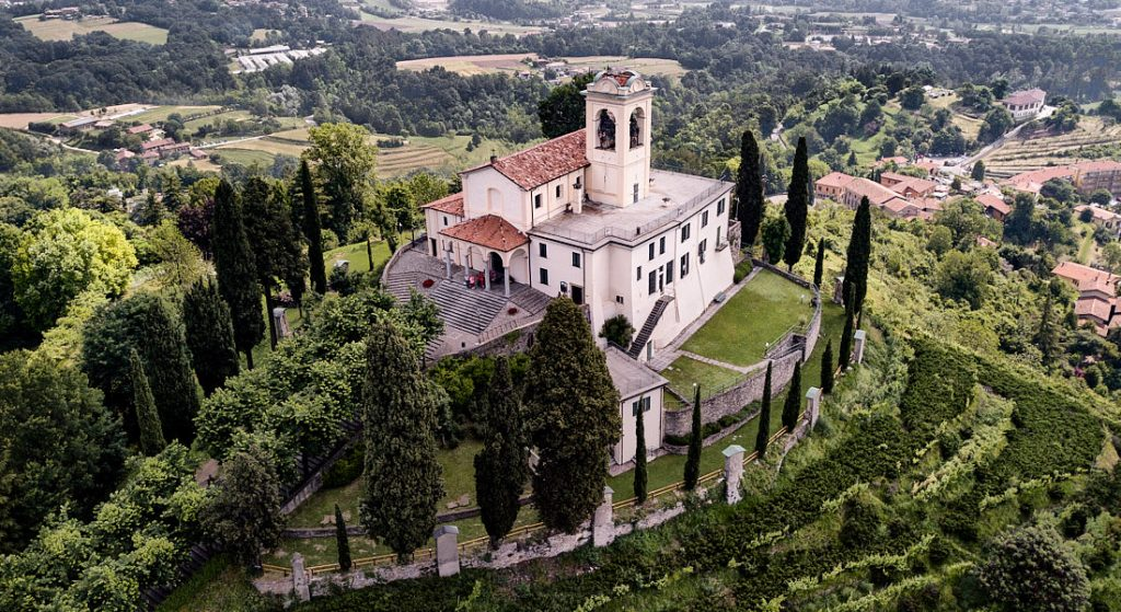 Santuario della Madonna del Carmelo_Montevecchia_Fotolibera_01